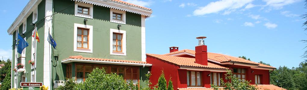 Foto de la fachada trasera del Hotel Rural Restautante Casa Vieja del Sastre